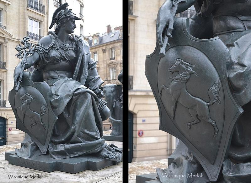 Parvis du Musée d'Orsay : les six continents : L'Europe