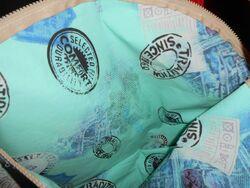 sac et accessoires en toile cirée