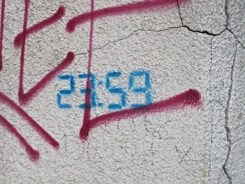 heure arrêtée street-art 6