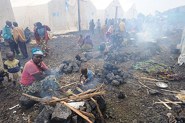 800px-Refugee camp in Congo 2008
