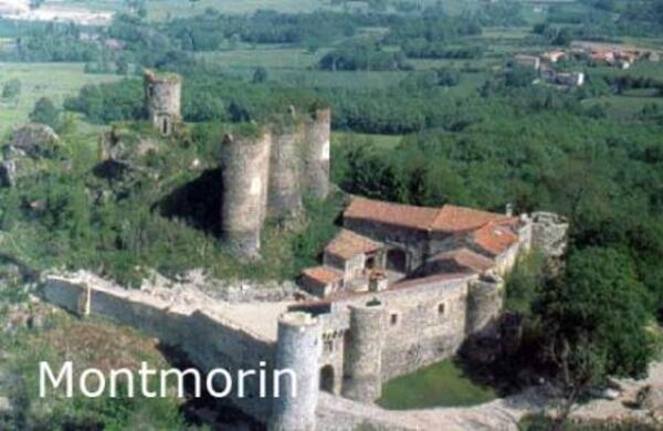 CHÂTEAU MEDIEVAL de MONTMORIN Auvergne