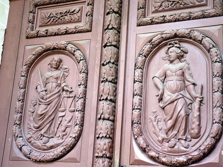Porte d'entrée (Justice et Force)
