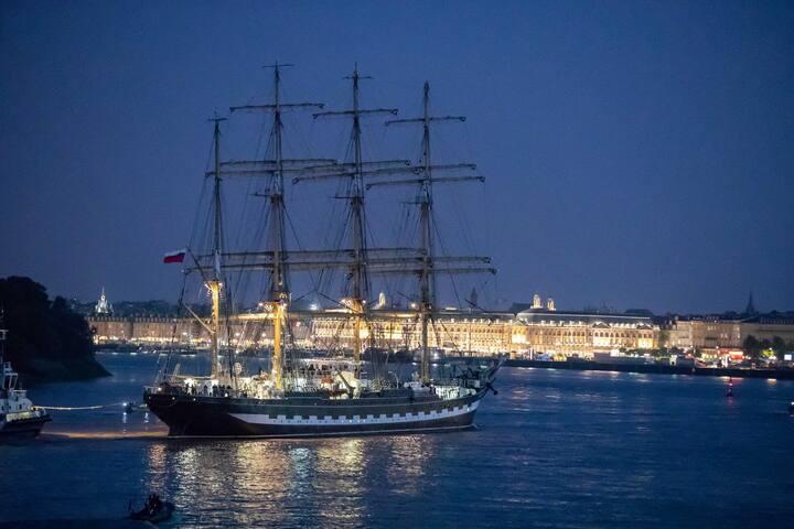 Fête à Bordeaux, vin, voiliers...