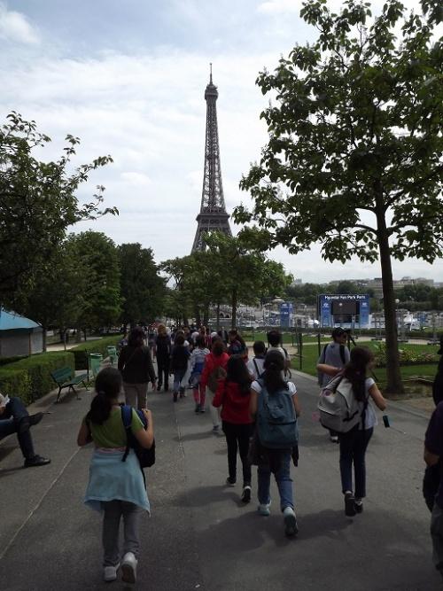 En marche vers la Tour Eiffel