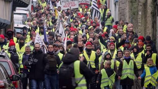 Gilets jaunes à Quimper: 500 manifestants, des heurts et trois interpellations (OF.fr-5/01/19-19h46)