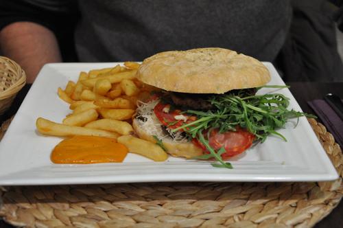 Le Gusto, restaurant sur la Grand Place de Mons
