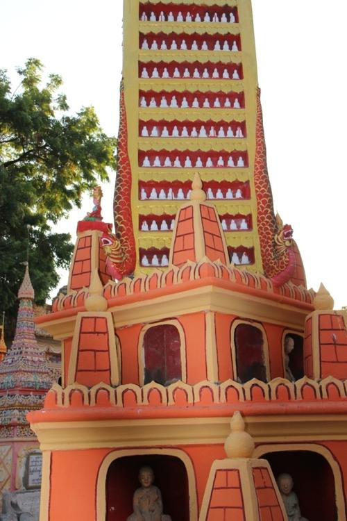 La pagode Thanboddhay, très kitch