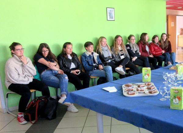 Les jeunes lycéens du lycée de Stuttgart ont été accueillis par les élèves de seconde du Lycée Désiré Nisard  de Châtillon sur Seine