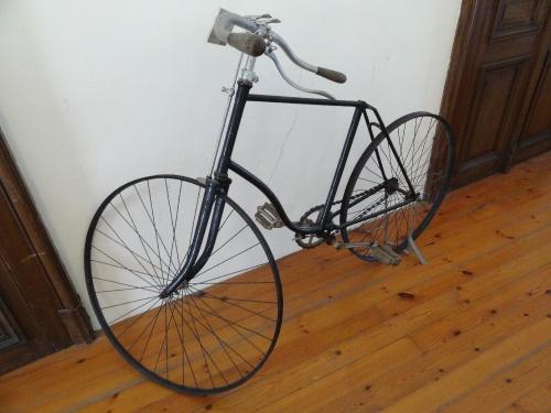 Des vélos anciens au musée des Beaux-Arts de Montbard