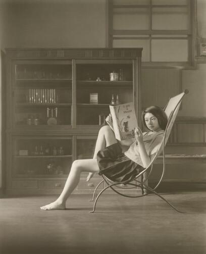 03 - Jeunes filles lisant - A la maison