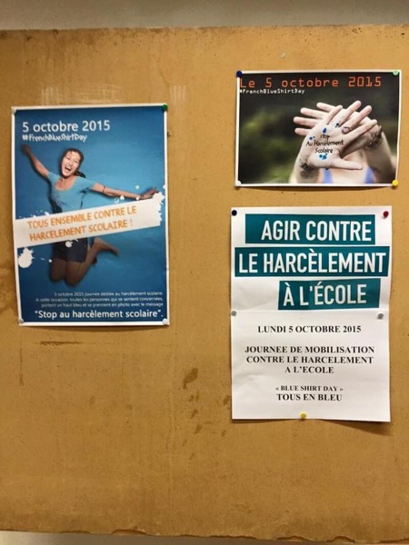 French Blue Shirt Day au Lycée pour dire STOP au Harcèlement scolaire