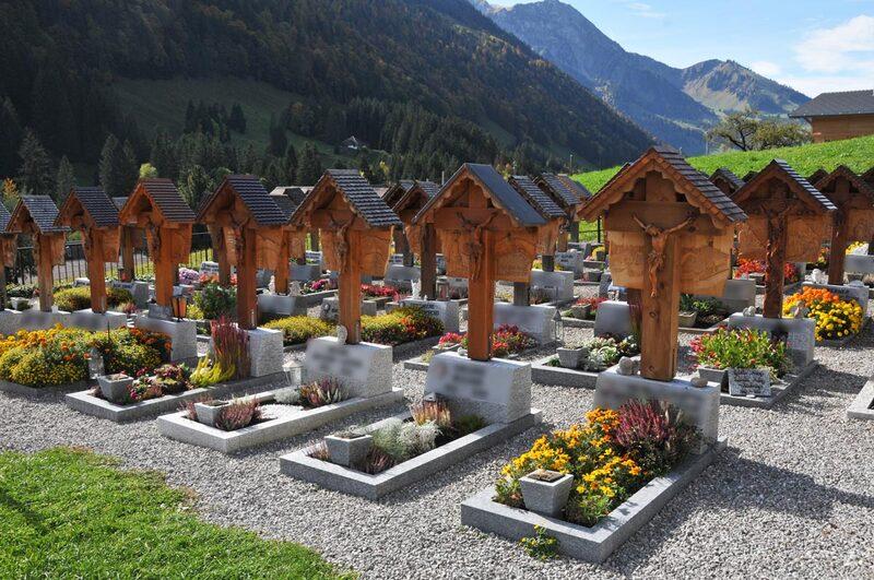 Le cimetière de Jaun (1)