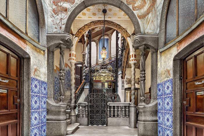 """La Casa Milà...Surnommée """" La Pedrera  Elle figure sur la Liste Du patrimoine mondial De L'UNESCO."""