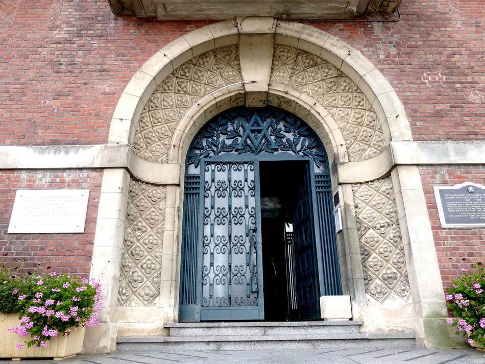 A côté d'Amiens, Albert et son Hôtel de ville