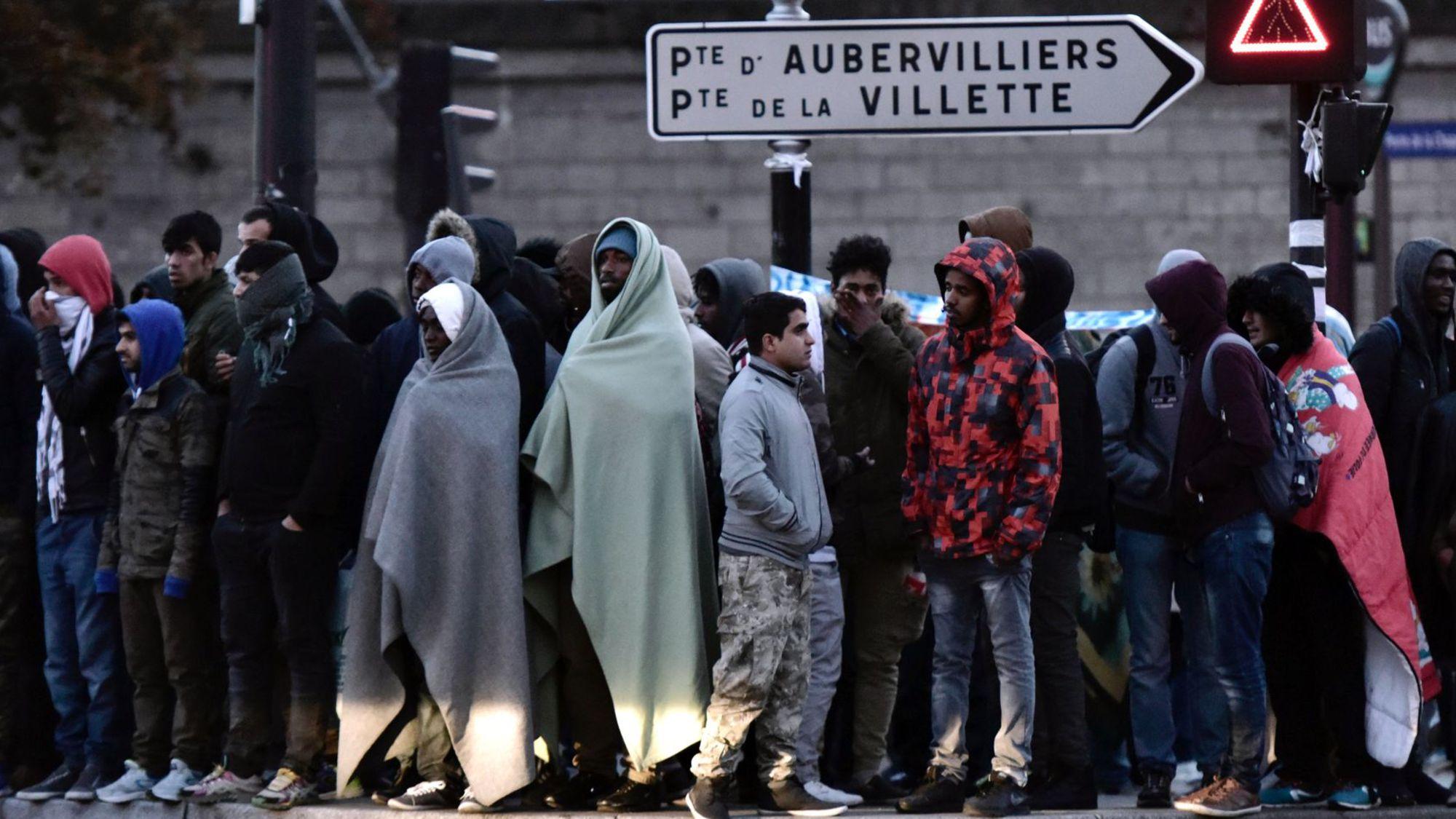 Brice Hortefeux : « Sur le quinquennat de Macron, il y aura 2 millions de migrants supplémentaires » (Vidéo)