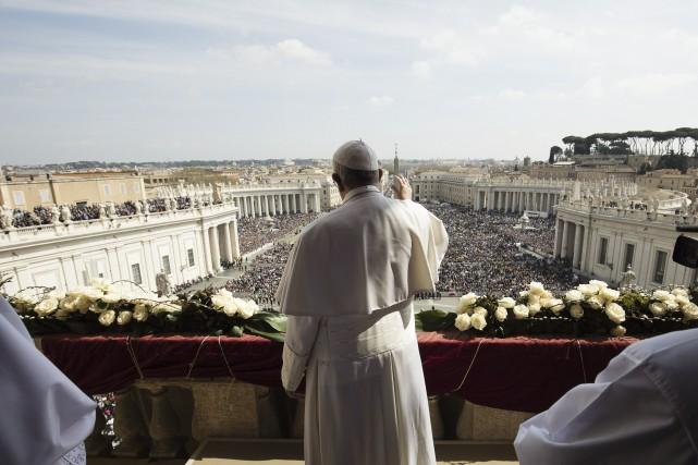 Des dizaines de milliers de fidèles ont fait... (Agence France-Presse)