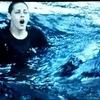 Bella dans l'eau
