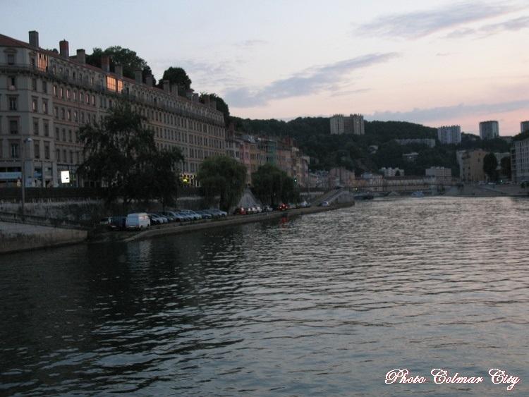 Lyon (69) : Balade en bateau 1/2