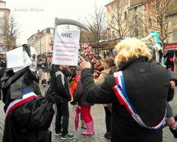 Romans sur Isère 26...Article de l'Impartial: nouvelles de la Maison de quartier Coluche...