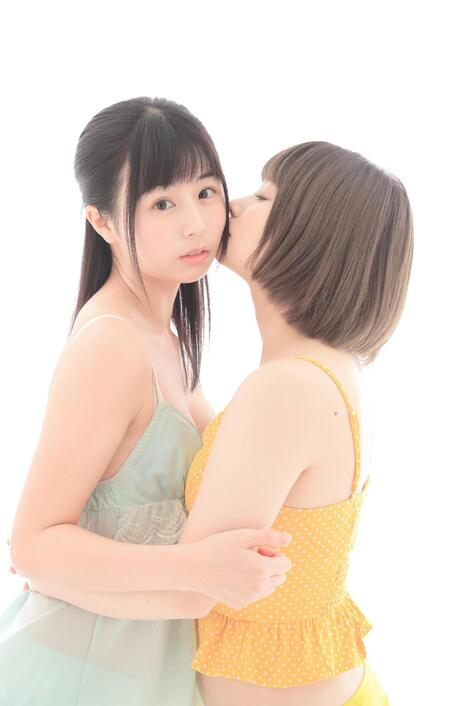 Digital Photobooks : ( [Kindle版] - |2019.08.06| KURIEMI/くりえみxMANA/真奈 : 『EMI × MANA ROM』 309 pics )
