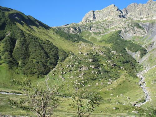 la montée au col de Vallonpierre