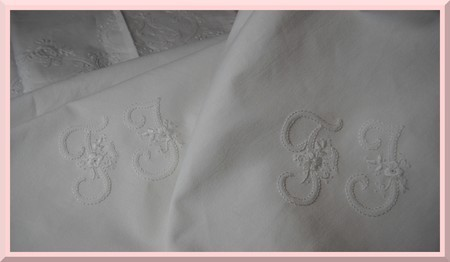 Broderie-blanche-Nappe-2.jpg