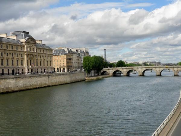 01 - Conciergerie et Pont-Neuf