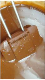LAYER CAKE CHOCOLAT,PRALINÉ ET NOISETTES