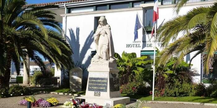 """Ile d'Oléron : le 11 Novembre tourne  à la polémique... Pour qui se prennent-ils ces anciens combattants """"de la sale guerre d'Algérie ?"""