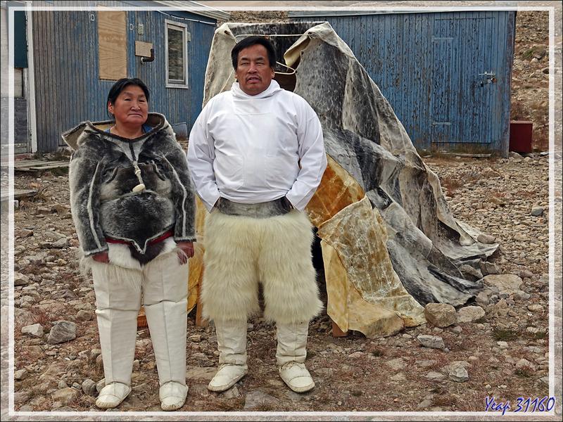 Tenue traditionnelle Inuit (toujours d'actualité pour les hommes lors des chasses hivernales) - Qaanaaq - Groenland