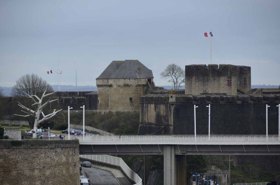 «  Le Port maritime de Brest »