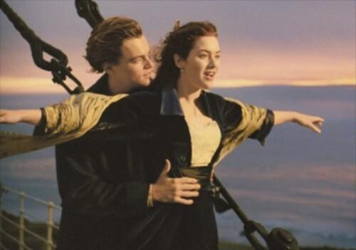 Canal + affiche Le Titanic proue