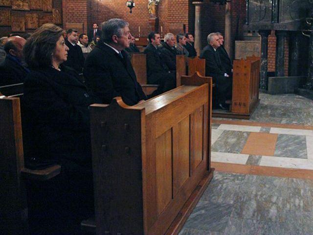 Katerine et Alexandre à la messe