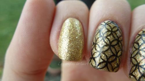Mon nail art noir et or du Nouvel An  + Anniversaire !