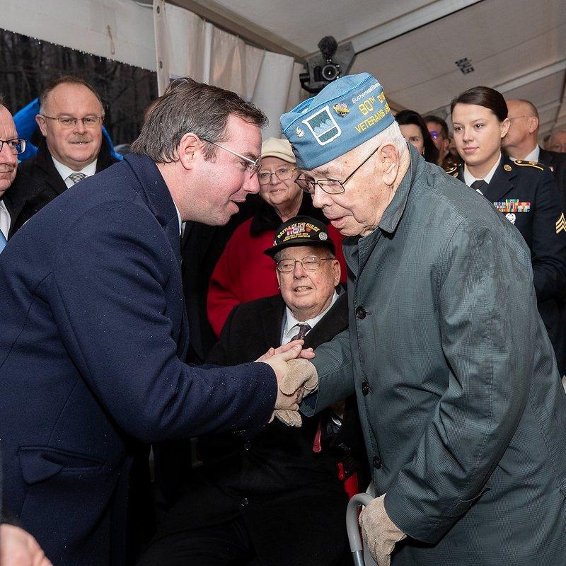 Début de la bataille des Ardennes.