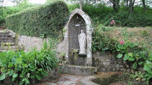 La fontaine du bienheureux Thomas à Biville.