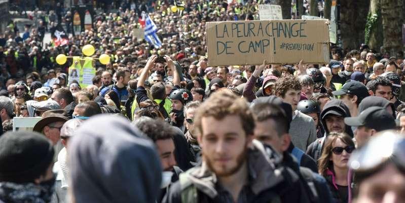 """Pour la deuxième semaine consécutive, le mouvement des """"gilets jaunes"""" a connu sa participation la plus faible depuis le début du mouvement."""
