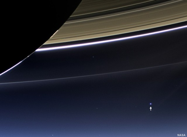 photo de la terre prise de saturne
