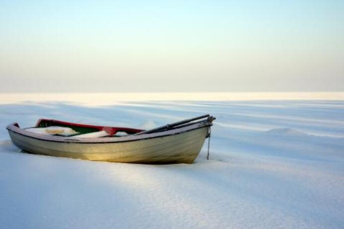 beaches boats snow