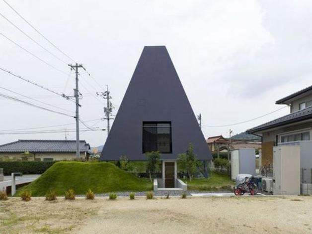 02 Makoto TANIJIRI