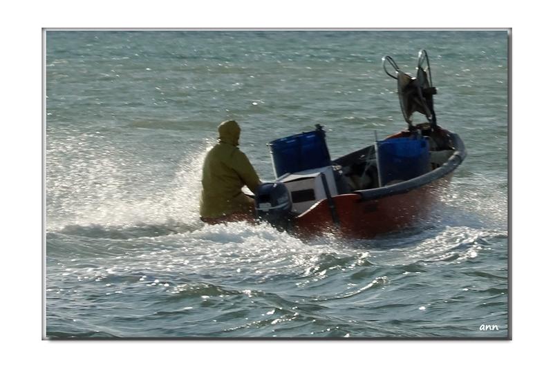Départ pour le pêche, un peu frisquet ce matin (Barcares)