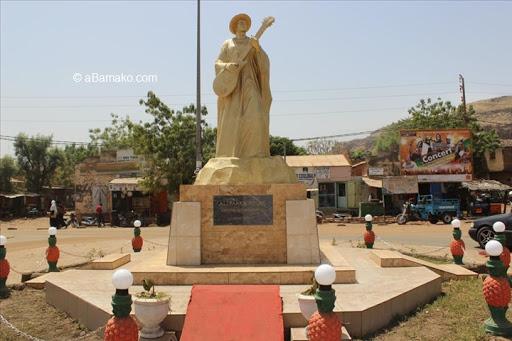 Monument Ali Farka TOURE : Hommage à l'icône planétaire du Blues #aBamako