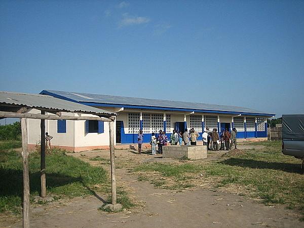 800px-Togo classroom schoolblock