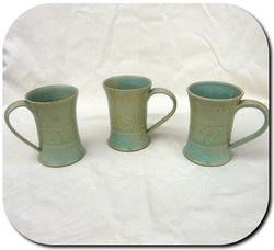 Mugs et coupelles en grès
