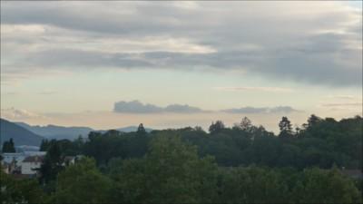 Blog de mimipalitaf :mimimickeydumont : mes mandalas au compas, beau ciel depuis ma fenêtre hier soir