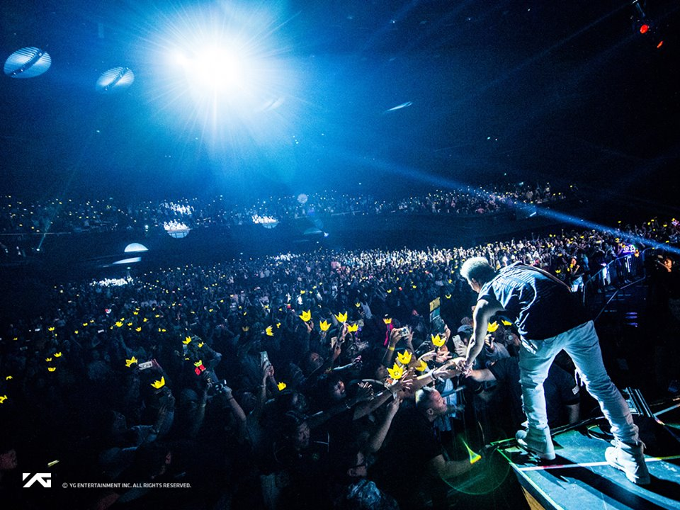 TNP - Taeyang à Singapour : Charme et sueur mais la chemise est restée (10.2017)