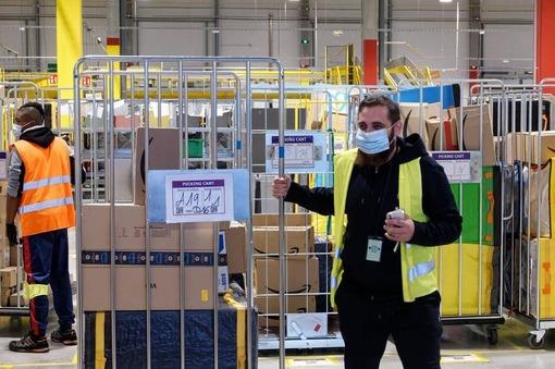 Le centre logistique Amazon DIF 5 de Osny, à Cergy (Val-d'Oise).