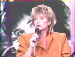 17 décembre 1987 / A LA FOLIE, PAS DU TOUT