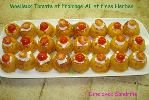 Des Savarins moelleux Tomate et Fromage Ail et Fines herbes