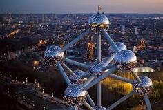 L'Atomium est le bâtiment le plus bizarre d'Europe